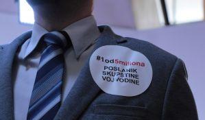 FOTO: Bojkot Skupštine Vojvodine, transparenti opozicije i poruke o izborima
