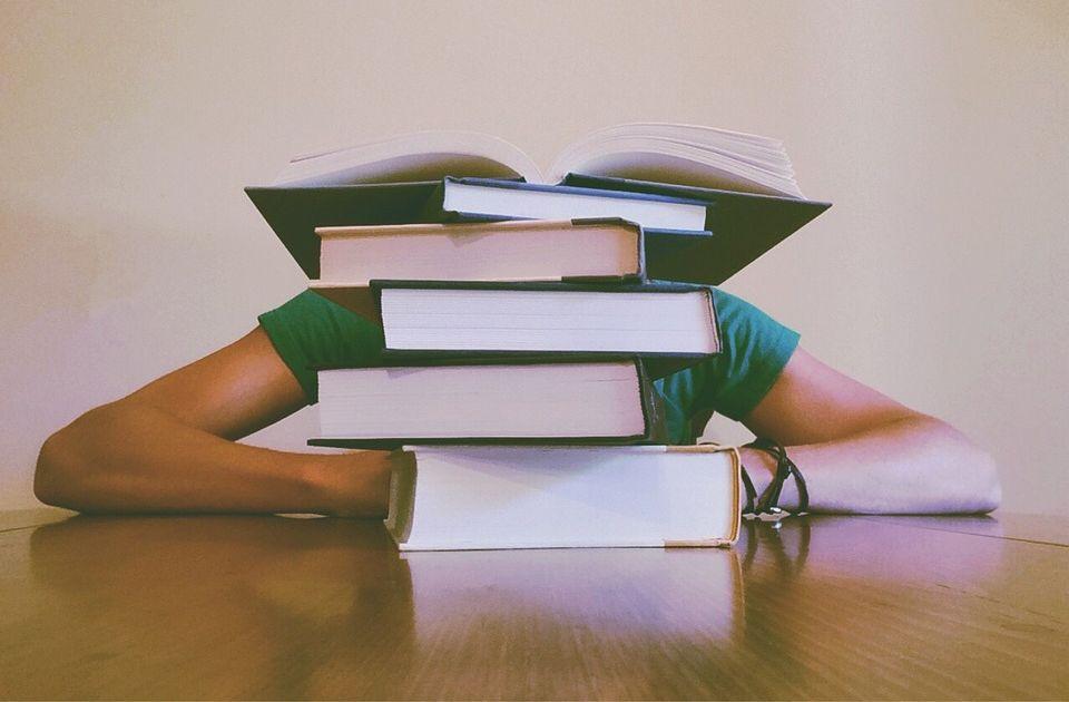 Da li je 18 predmeta previše za gimnazijalce: Deca više uče, a manje znaju