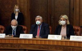 Krizni štab ranije: Maske na otvorenom besmislene; Krizni štab sad: Maske na otvorenom preporučene