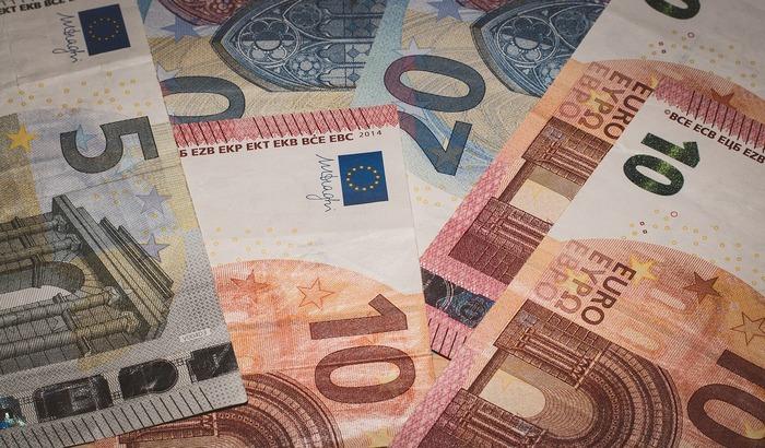 Prosečna plata u Hrvatskoj 900 evra