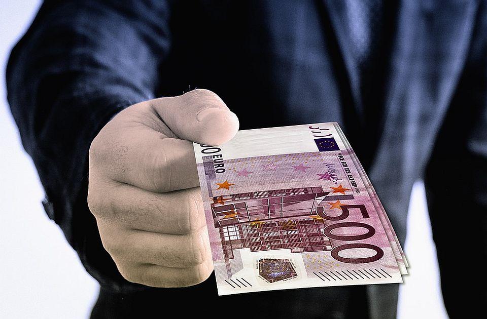 Više od četvrtine evropskih poslanika prijavilo primanja mimo plate