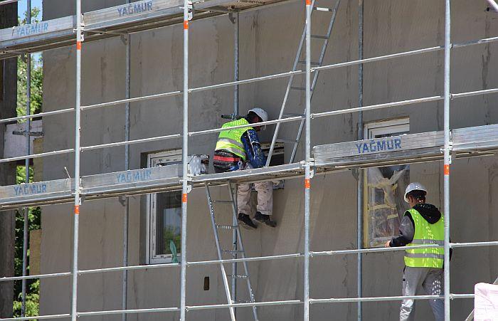 Radnici iz Turske angažovani na izgradnji stanova za bezbednjake najavljuju tužbe