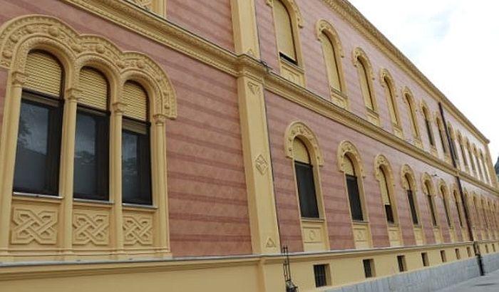 Eparhija bačka zabranila organizovanu posetu crkvama u Novom Sadu zbog kritika na njen račun