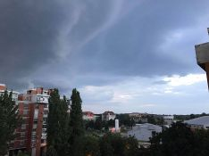 VIDEO: Kratak pljusak sa grmljavinom u Novom Sadu