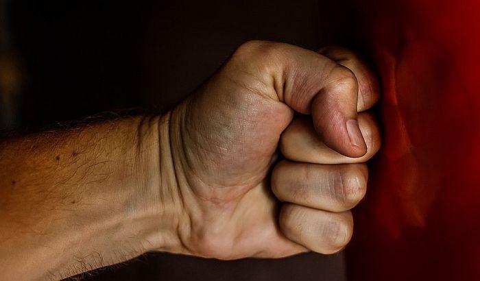Direktoru vranjskog Vodovoda razbili glavu, polomili mu prste