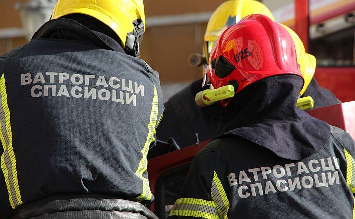 Ugljenisano telo muškarca pronađeno nakon požara u kući na Adicama