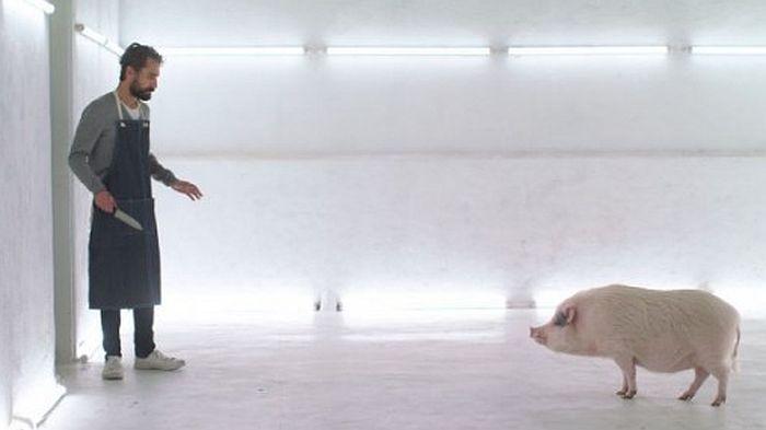 VIDEO: Film o restoranu u kojem mušterije moraju da ubiju životinju koju žele da pojedu