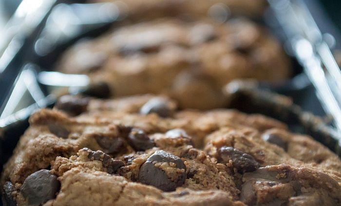 VIDEO: Nervirala ih buka koju su pravili štrajkači, pa im napravili kolačiće sa laksativom