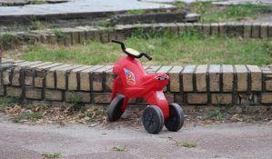 FOTO: Stanari bivše Kokre peti put pisali gradonačelniku zbog uzurpacije dečjeg igrališta i planirane zgrade
