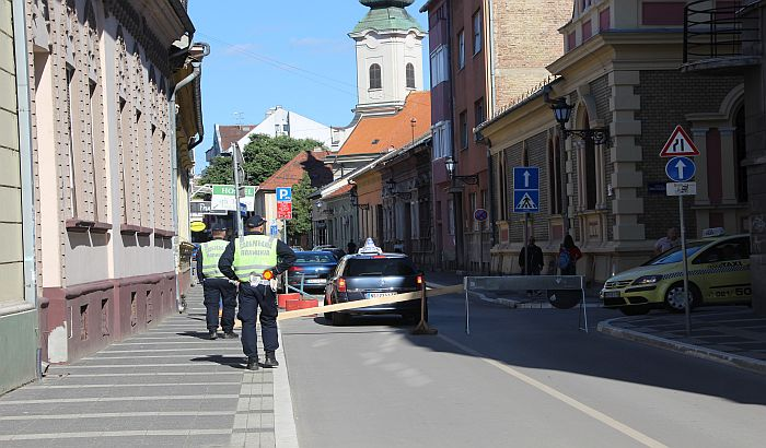FOTO: Zatvorene pojedine ulice u centru zbog promocije policajaca