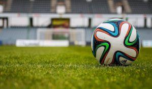 Fudbalska sezona počela i u Tadžikistanu, na tribinama transparent