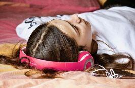 Istraživanje pokazalo: Pop muzika sve glasnija i jednoličnija