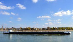 Lađari: Ugrožena plovidba kod Smedereva zbog nepropisnog sidrenja