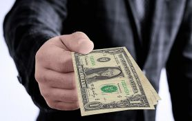 Nepoznata osoba platila sve dugove kupaca u lokalnoj radnji