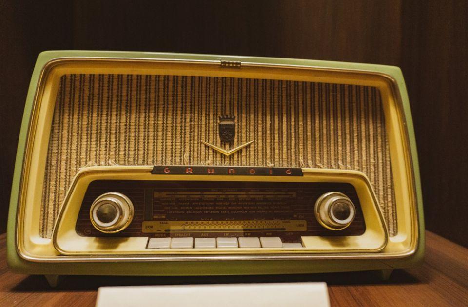 Na današnji dan: Umro Bodler, pronađena prva žrtva Džeka Trboseka, emitovane prve radio-vesti