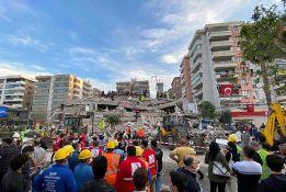 FOTO: U snažanom zemljotresu u Turskoj i Grčkoj 14 mrtvih, više od 500 povređenih