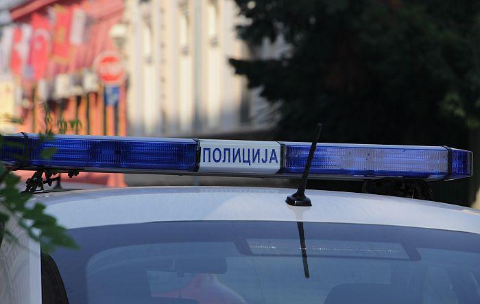 Tinejdžer kesice heroina sakrio kod gimnazije i vrtića u Beogradu