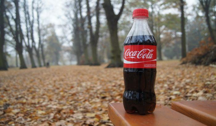 Koka kola ne odustaje od plastičnih flaša za jednokratnu upotrebu