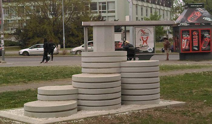 Spomenik Tapavici čeka da gradske službe