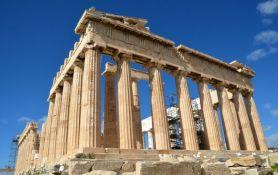 Akropolj zatvoren zbog vrućine