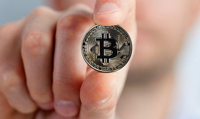 Vrednost bitkoina ponovo iznad 57.000 dolara