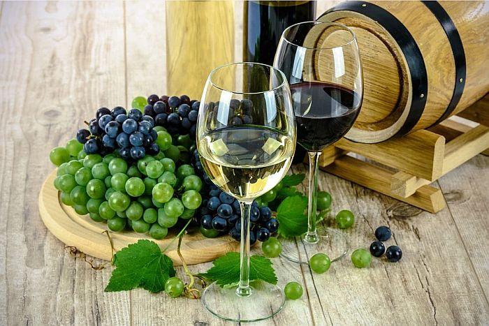 U Francuskoj napravljeno vino posvećeno korona virusu