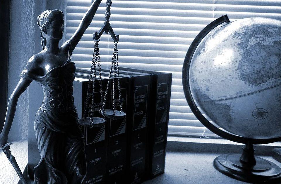 Advokati danas u znak protesta neće raditi