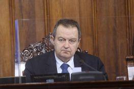 Poslanik doneo zastavu Albanije u Skupštinu, Dačić tražio da je skloni