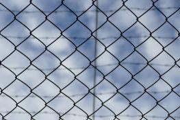 Muškarac uhapšen u Sremskoj Mitrovici zbog sumnje da je seksualno zlostavljao dete