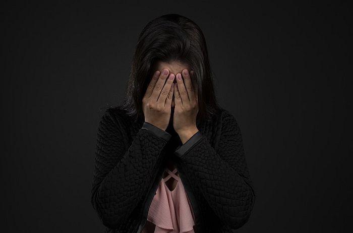Studija: Od udovica u Srbiji se očekuje da ne traže drugog partnera, ne druže se i tuguju bar tri godine