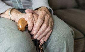 U domovima za stare i socijalnim ustanovama 753 korisnika i 437 zaposlenih ima koronu