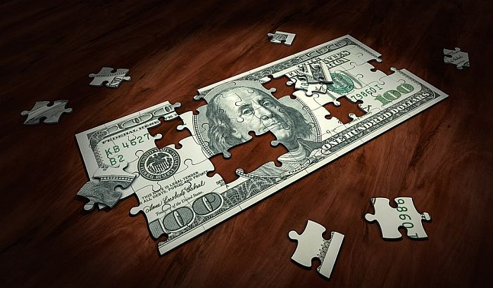 Juan ruši dolar