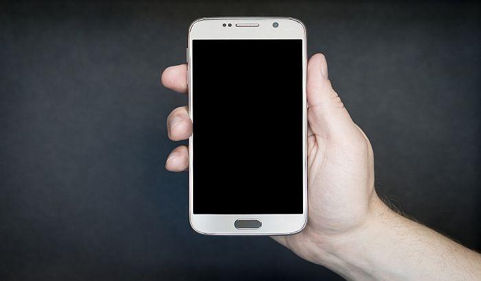 Prvi govorni softver za android telefone na srpskom jeziku