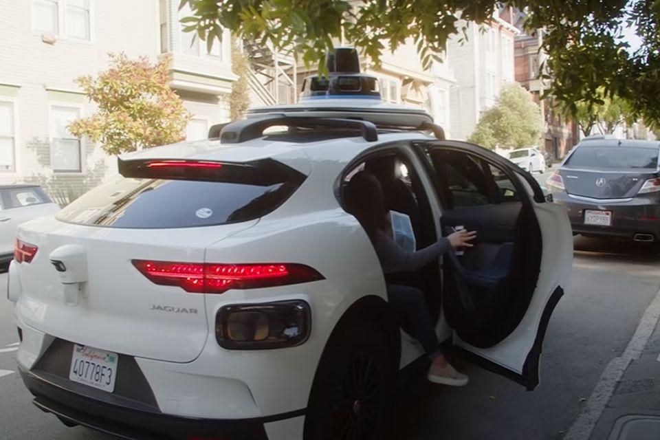 VIDEO: Autonomni taksi u San Francisku počeo da prima