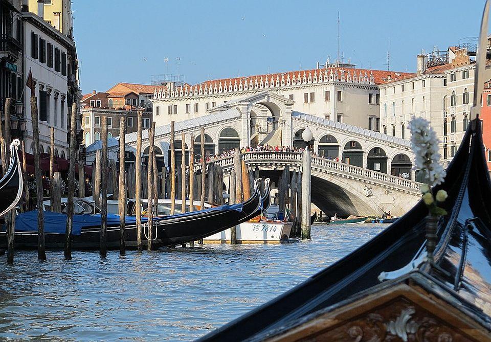 Naoružani čuvari u Veneciji jer turisti tuku, pljuju i vređaju radnike