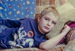 Deca u Srbiji nedovoljno fizički aktivna, imaju deformisanu kičmu i razlikuju manje boja i zvukova