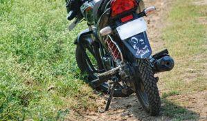 Šesnaestogodišnji motociklista povređen u udesu u Petrovaradinu