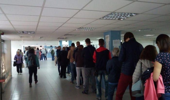 FOTO: Redovi za pasoše u Novom Sadu