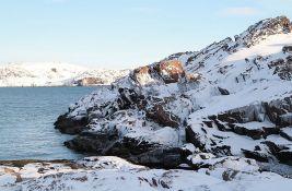 Rusija postavlja podvodni optički kabl kroz Arktik