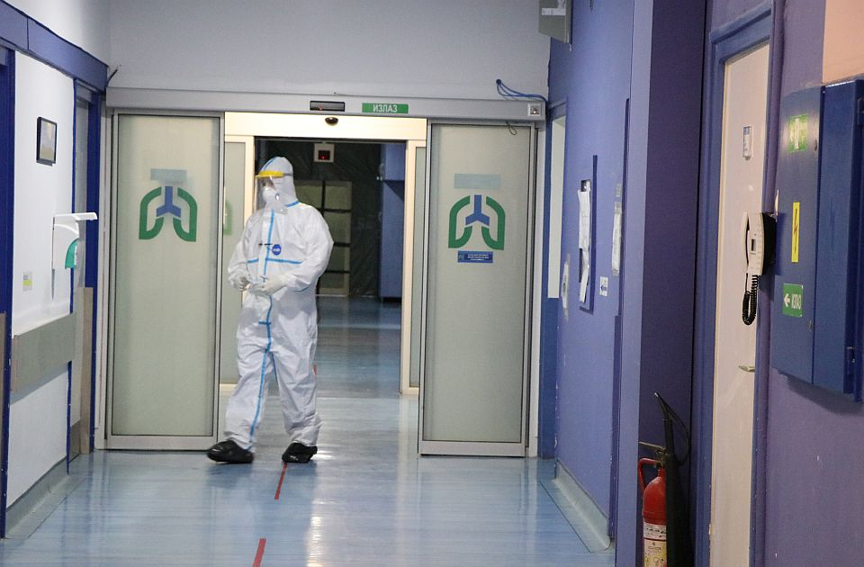 Korona u Srbiji: Manje novozaraženih, raste broj pacijenata na respiratorima