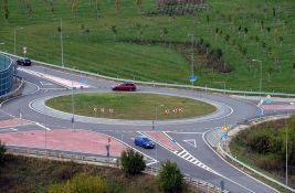 VIDEO: Još jednom za vozače koji ne znaju - kako se vozi u kružnom toku
