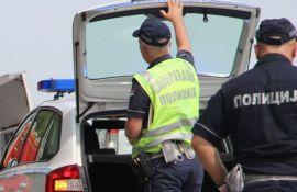 Saobraćajna policija pojačano kontroliše vozila zbog isteka roka važenja registracionih nalepnica