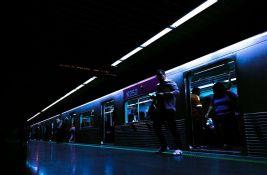 Silovao ženu u vozu, putnici snimali mobilnim telefonima