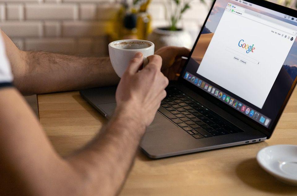 Gugl uštedeo milijardu dolara jer su mu zaposleni radili od kuće