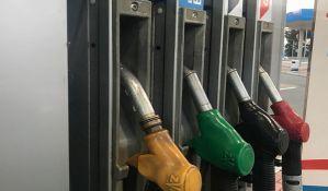 Nafta u svetu pojeftinila za 24 odsto, gorivo u Srbiji za dva dinara