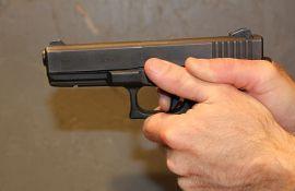 Majstorima pretio pištoljem nezadovoljan cenom izvedenih radova
