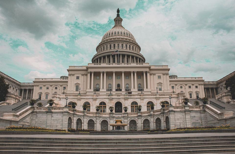 Prva zatvorska kazna za upad Trampovih pristalica u Kongres