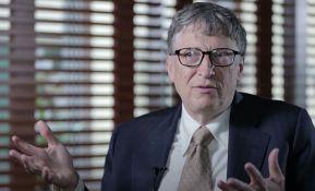 Bil Gejts: Zatečen sam brojem ludačkih i zlonamernih teorija zavere na društvenim mrežama