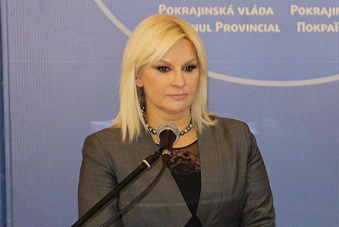 Mihajlović: Nisam zadovoljna brzinom izgradnje dela autoputa od Batrovaca do Kuzmina