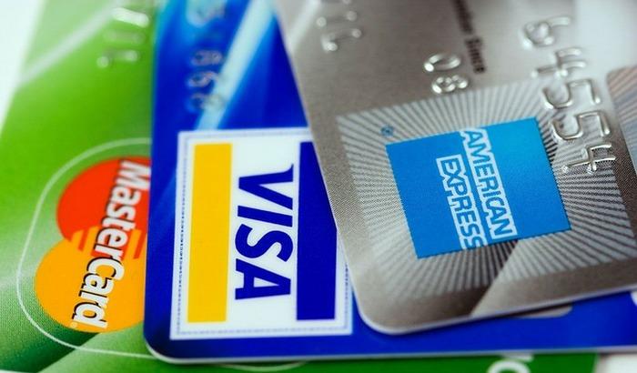 Mnogi građani imaju tekuće račune u više banaka, stručnjaci savetuju da se neaktivni računi ugase